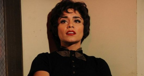 Vanessa-Hudgens-Powers-Through-Grease-Live-After-Father-Death-Thanks-Fans