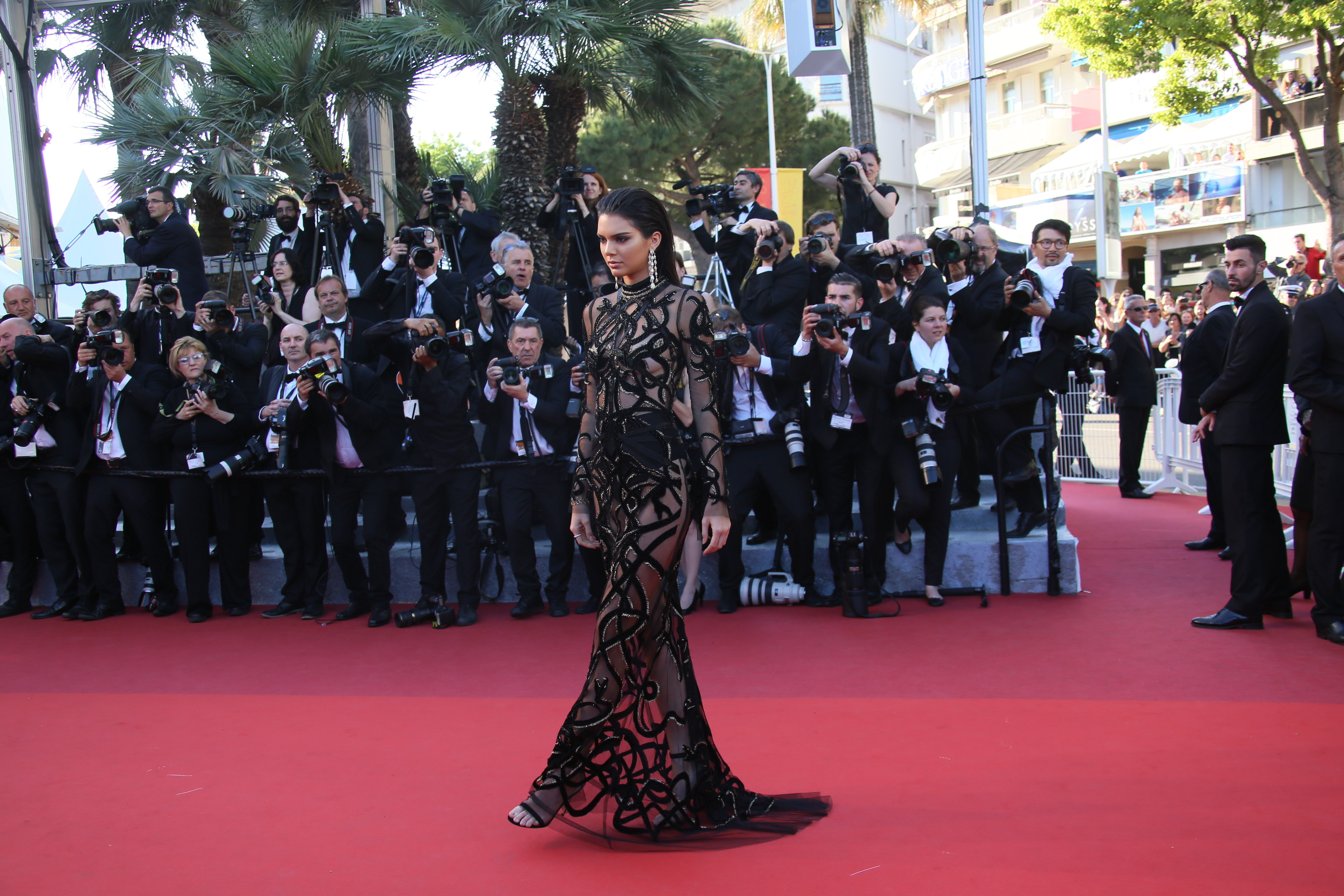 kendall jenner-cannes-gs love